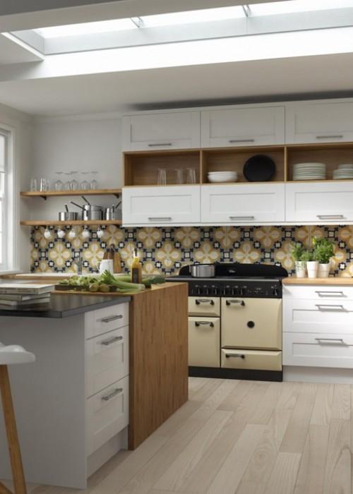 Classic-revival-Shaker-kitchen-in-Super-White-Eggshell