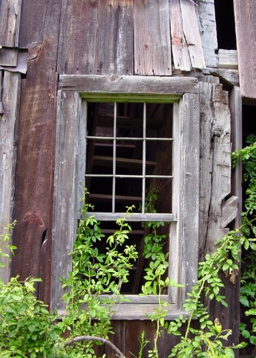 old-barn-window-1475954