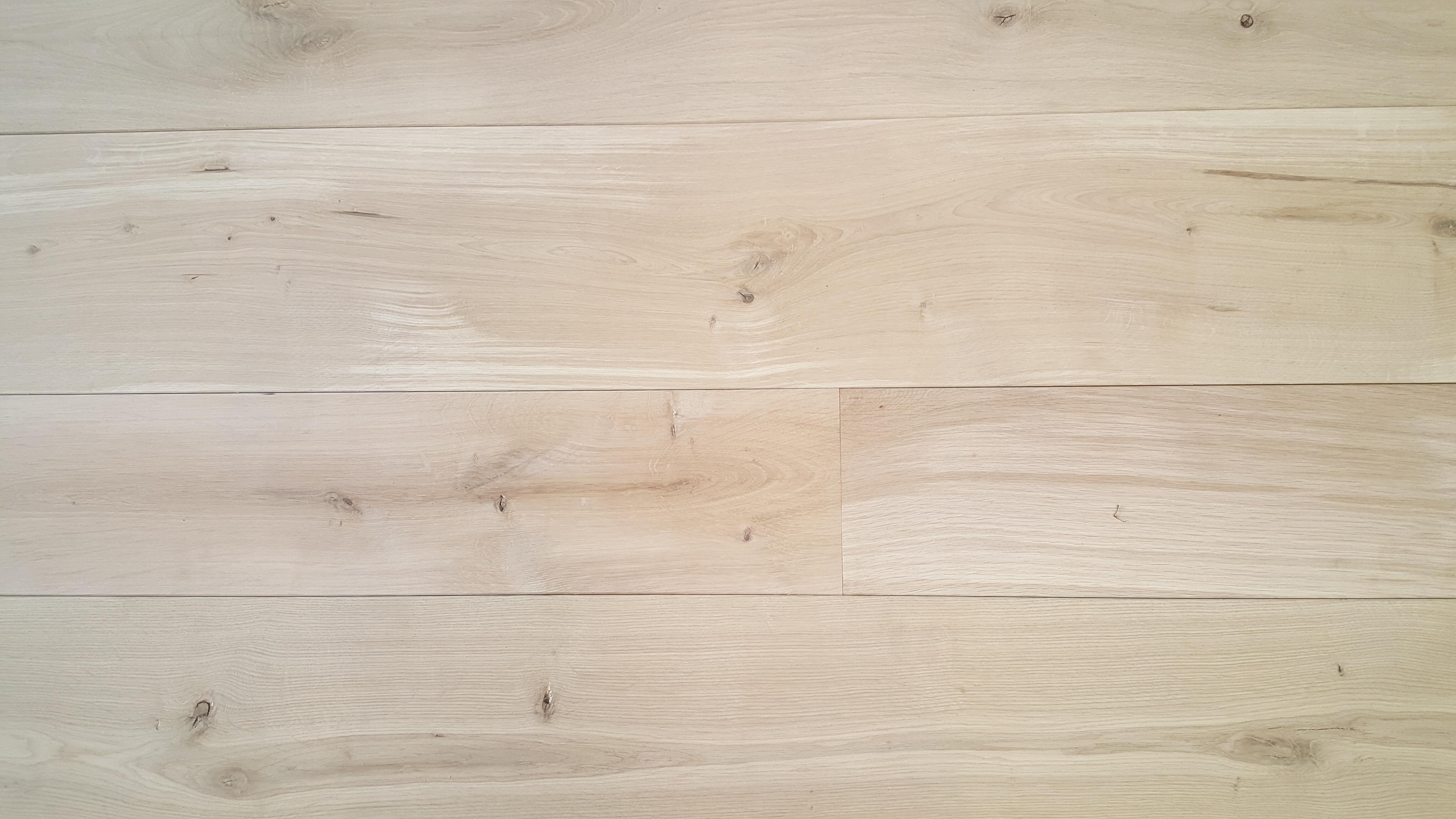 Mountain Solid Oak