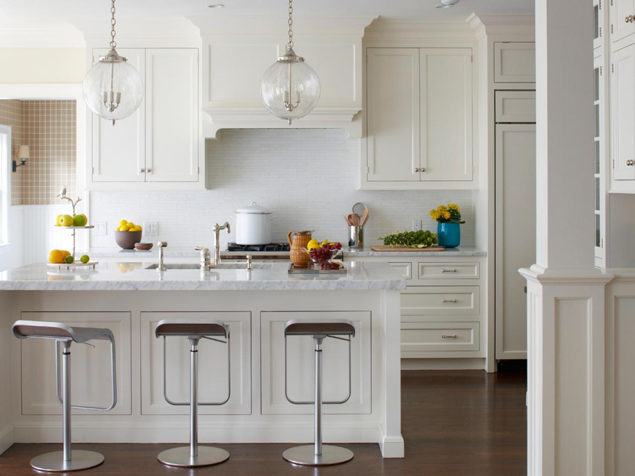 Decor Accents to Pair with an All-White Kitchen