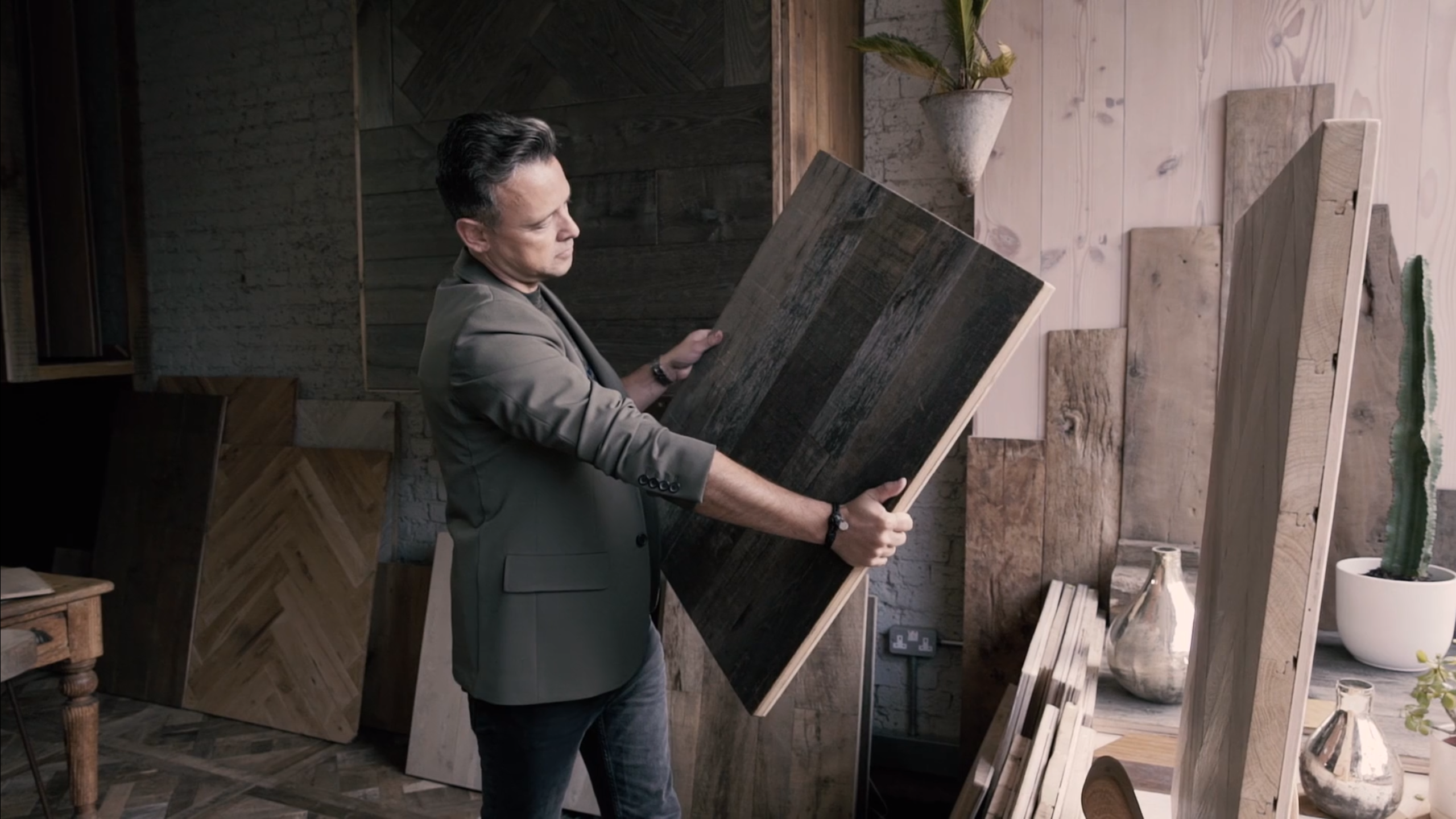 How to Choose Reclaimed Wood Flooring (Updated In 2020)
