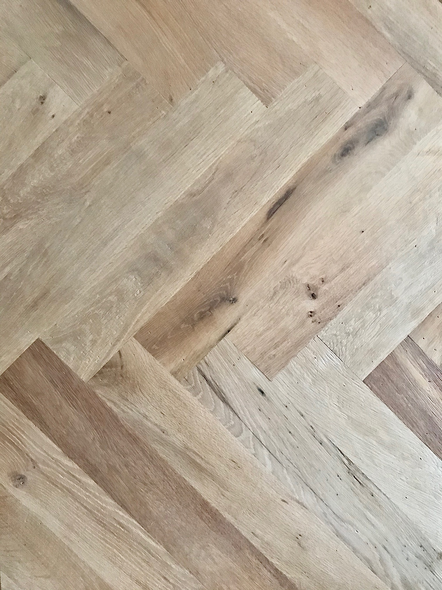 Manoir Oak: Herringbone – Unfinished