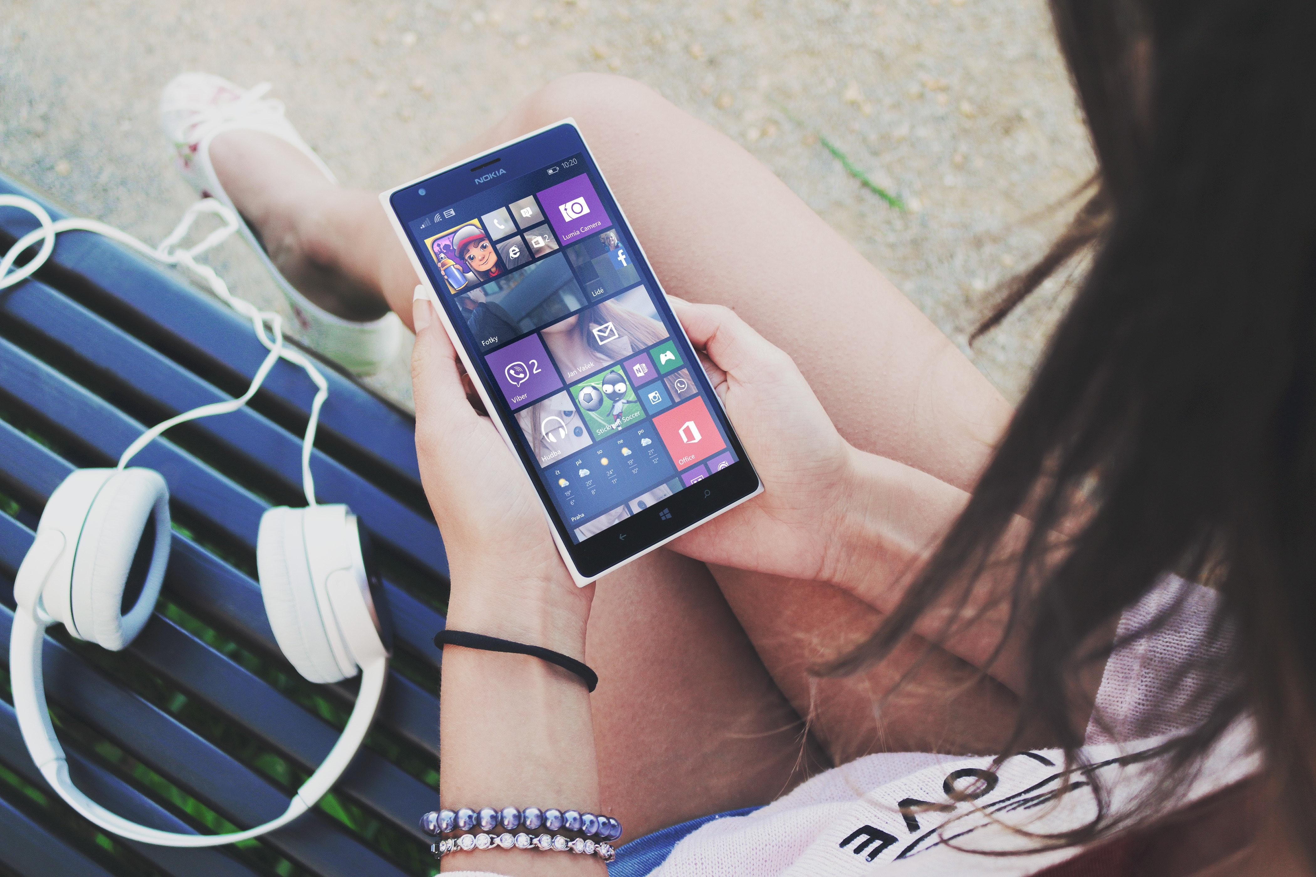 apps-device-digital-7423