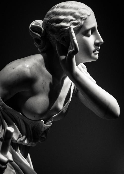 woman-statue-1727658