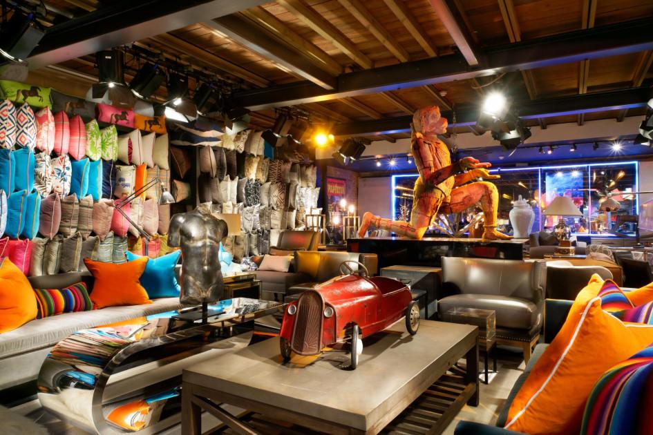 51140-walton-st-showroom-interior